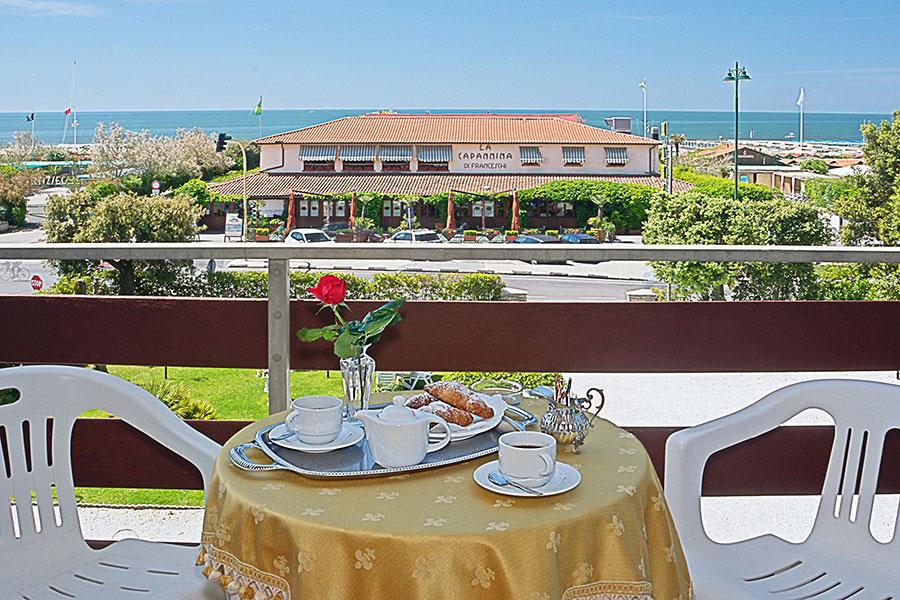 Terrazzo vista mare hotel Areion, hotel a Forte Dei Marmi