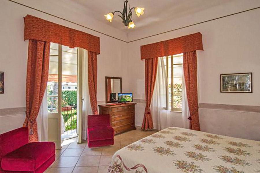 Hotel a Forte dei Marmi, camera matrimoniale hotel Ambra
