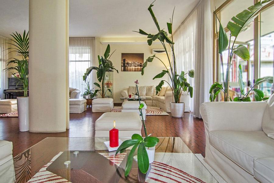 hotel a Marina di Massa, soggiorno hotel Gabrini