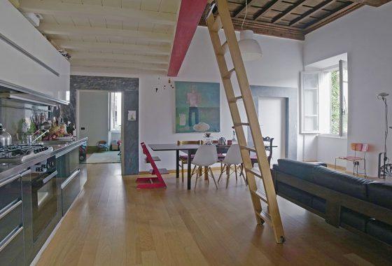 Casa in città, appartamento in vendita nel Comune di Seravezza