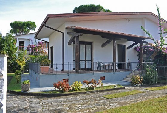 Casa a Forte dei Marmi, villa in vendita a Forte dei Marmi Cod 1578